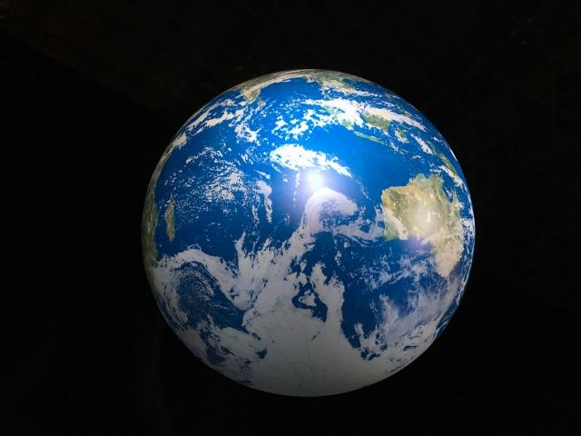 宇宙と地球(宇宙軍イメージ)