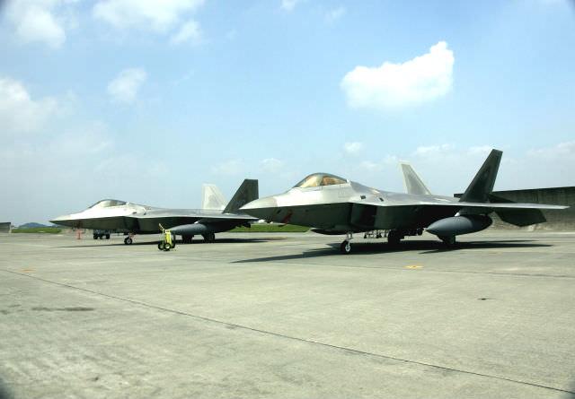 アメリカ軍のジェット機(宇宙軍イメージ)