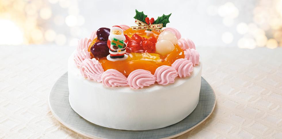豆乳いちごクリームで飾った米粉スポンジのフルーツケーキ