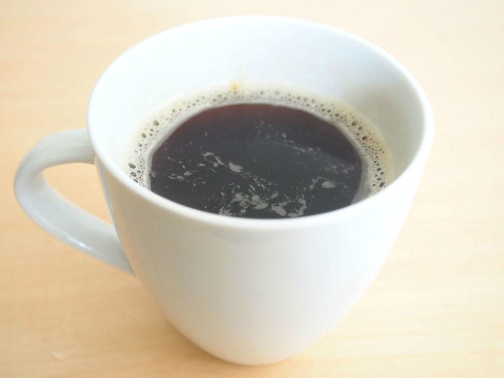 ウィンドファームのコーヒーとマグカップ