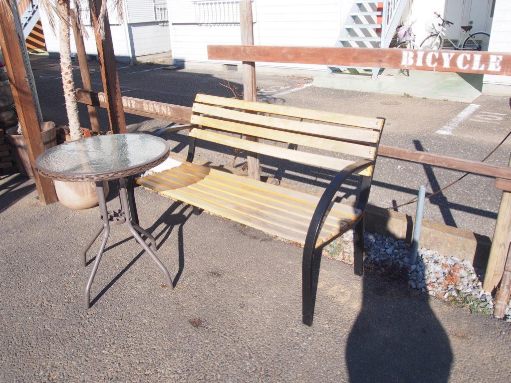 芋屋TATAのテーブル席