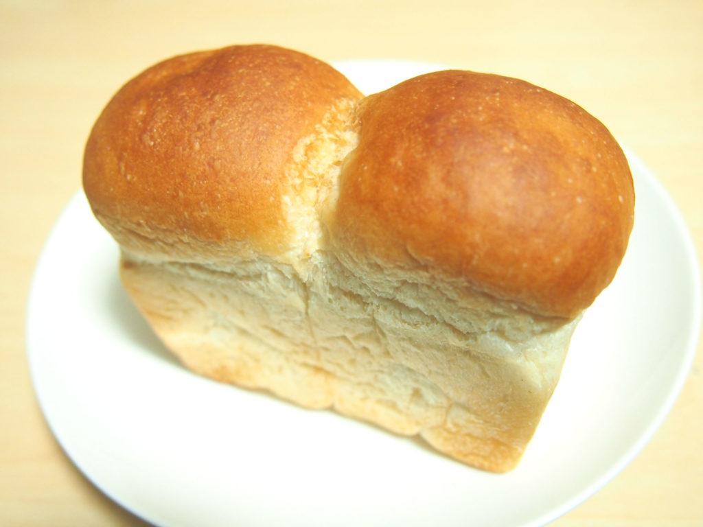 クリームチーズの2色パン