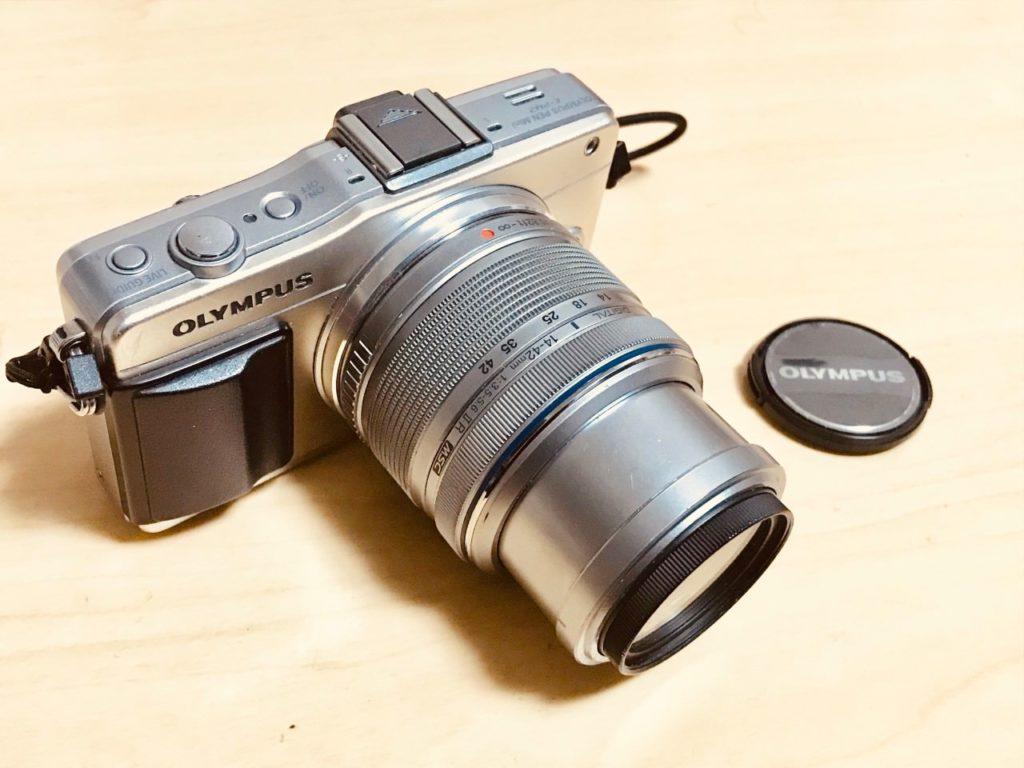 カメラ (ブログ等、飲食店で写真撮影する際のマナー・気を付けたいこと!イメージ画像)