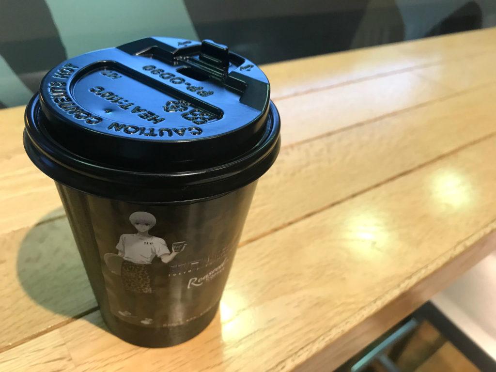カウンター席とカネキブレンドコーヒー