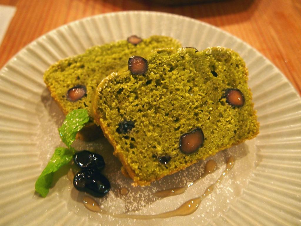 黒豆と抹茶のおからケーキ