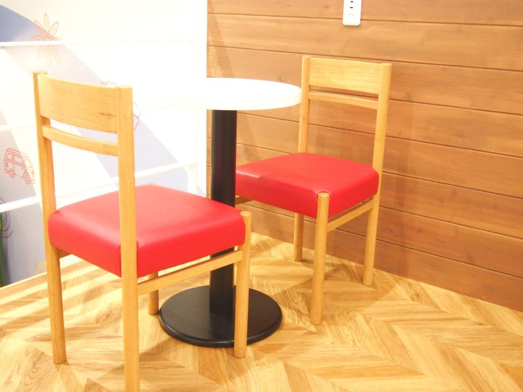 ココナッツグレン(COCONUT GLEN'S)のテーブル席