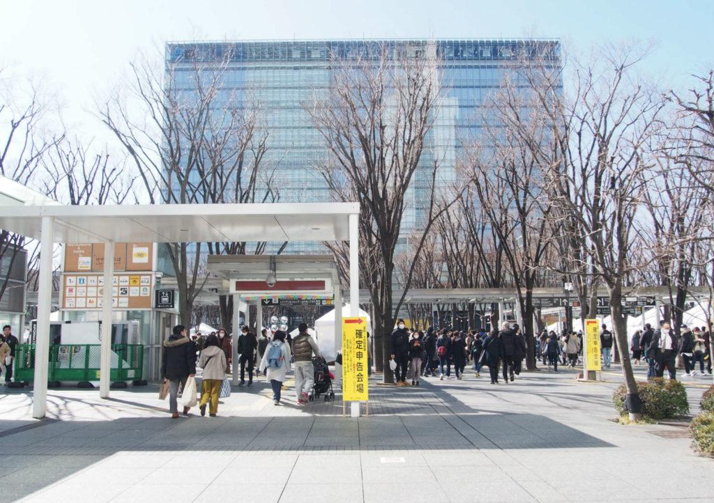 けやき広場前(風予防用画像)